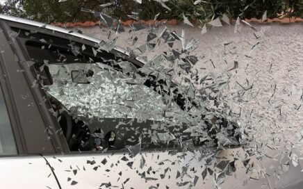 Image of car windows shattering by Vladyslav Topyekha from Pixabay